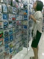 Suasana tempat jualan cd bajakan