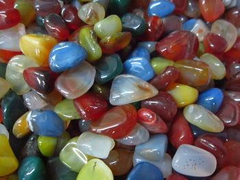 batu-berwarna
